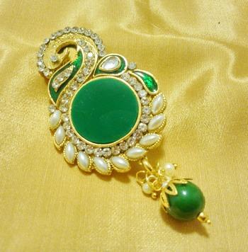 2aa970a88ae Designer green cz saree pin brooch - LALSO - 551101