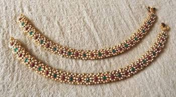 Traditional Payal in Kundan & Pearls