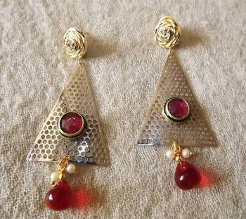 Trendy Traingle Shaped Earrings