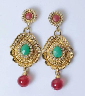 Traditional Earring with colourfull stone