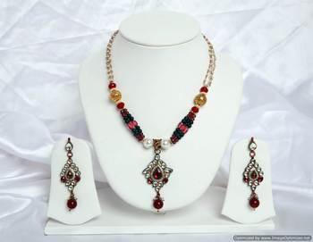 Design no. 8B.2066....Rs. 2250