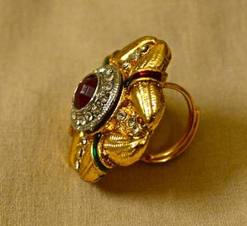 Antique Gold Ring in  Maroon