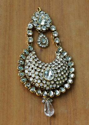 Elegant Jummar with Kundan and white stones