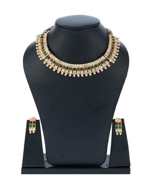 Maroon Green Square Kundan Choker Set with Pearls