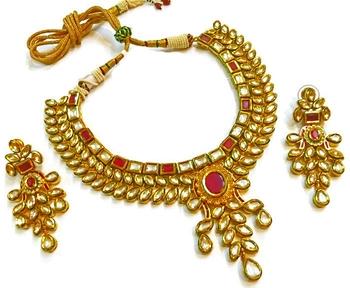 Divinique Jewelry high end bridal kundan Necklace set