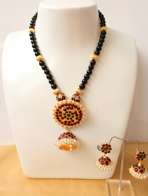 Beautiful Handmade Black Bead Temple Necklace Set
