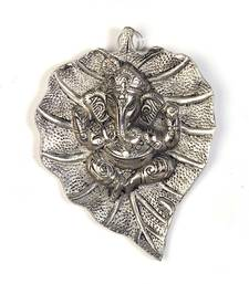 Oxidized White Metal Leaf Ganesha Idol Hanging