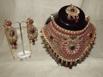 Antique Style Bridal Set with Maang Tika/