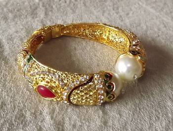 Traditional Brass Bangle in Kundan and Pearl
