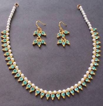 Beautiful blue pearl gold tone elegant necklace and earrings