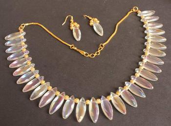 Gorgeous Transparent Crystal Necklace Set