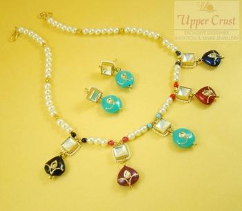 Kundan Multicolour Pearl Necklace Jewellery Set