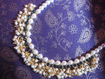 Green Beads Pearl Necklace