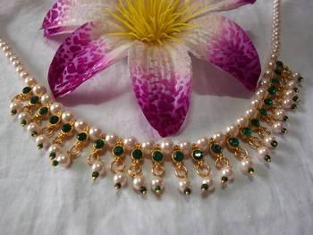 Dark Green Pearl Necklace