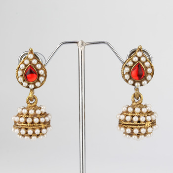 Red Leaf Pearl Jhumki Earring