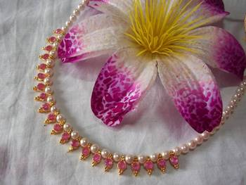 Pink beads pearl necklace