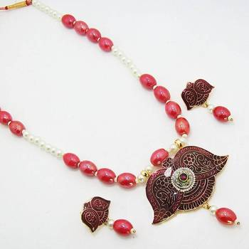 Meenakari Leafy Solid Color Necklace Vibrant Maroon
