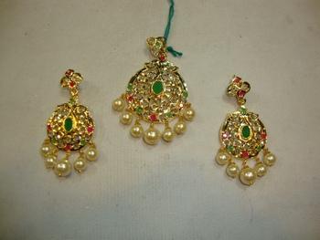 Design no. 38.400....Rs. 2500
