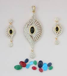 Buy AD WHITE N CHANGABLE STONE STUDDED LOCKET SET Pendant online