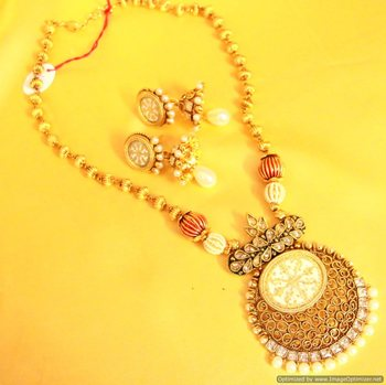 Antique Gold White Thewa Filigree Necklace Set