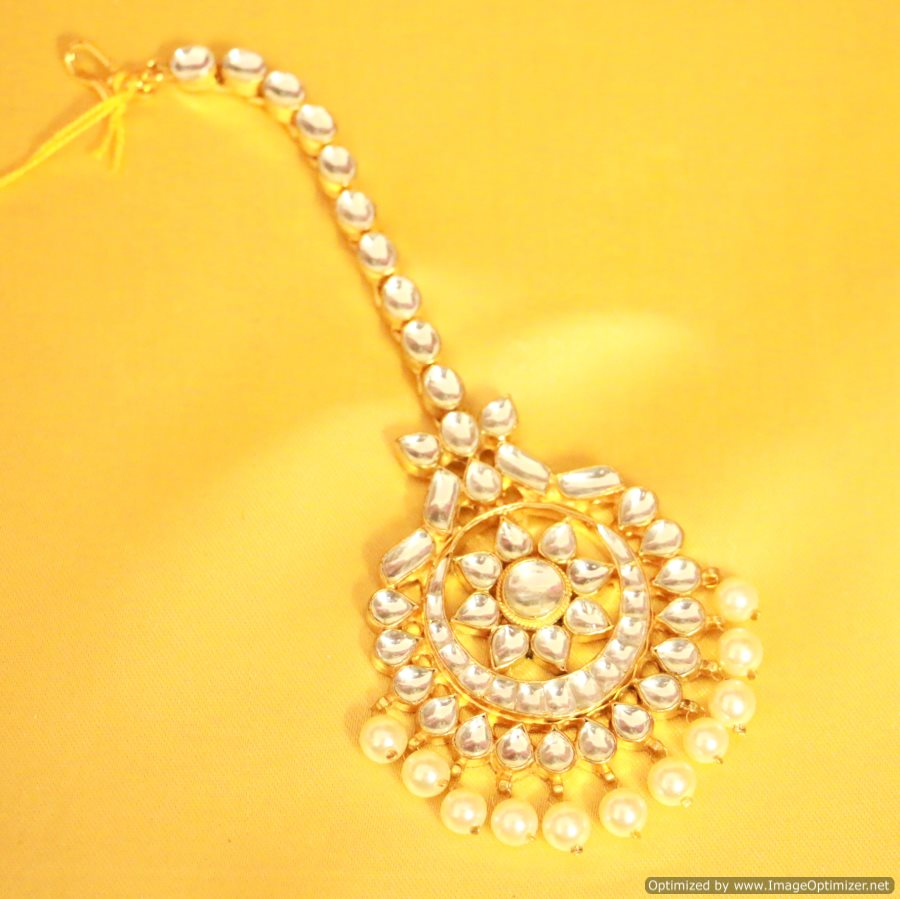 Golden maang tikka designs bridal jewellery bridal maang - Golden Maang Tikka Designs Bridal Jewellery Bridal Maang 16