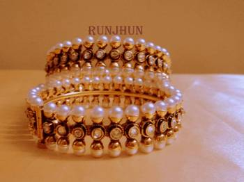 side open white stone and pearl kara