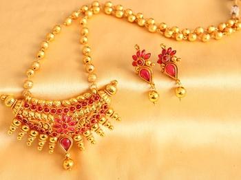 Gorgeous Goldplated Designer Pink Huge Pendant Short Haar