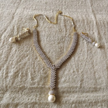 Stunning Diamond & Pearl Necklace Set