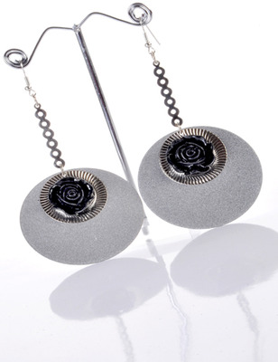 Black and Gray Rose Earring