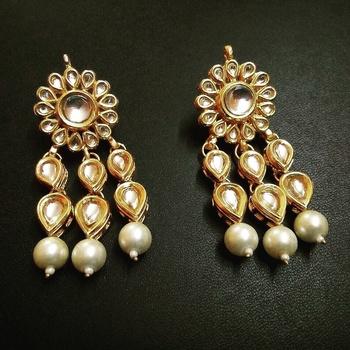 white pearl earring kundan tear drop pair