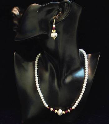 BEST DEAL - pearl n colored stone necklace set