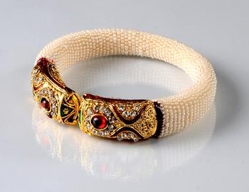 Designer White Pearl Kada