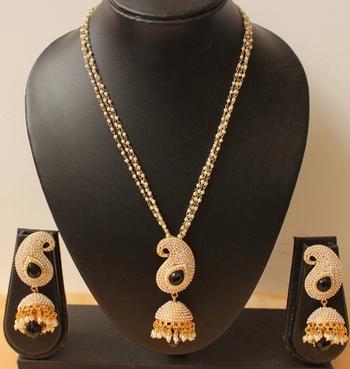 Lovely Designer Pearl Finish Black Mango Pendant Necklace With Jhumka