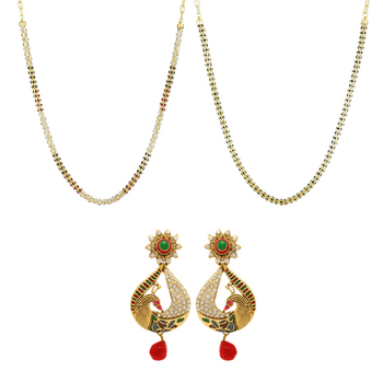 Donna Combo of Marvelous gold plated two pair of chains and earrings for Women