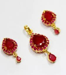 Buy BEAUTIFUL RED STONES STUDDED LOCKET SET Pendant online