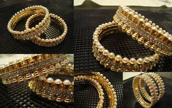 Gold and pearl studded bangle