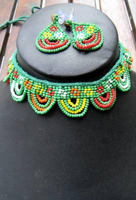Green Handmade Bead Choker Set- Curved
