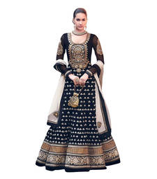 How Salwar Kameez and Sarees Puts You Ahead of Others in Terms of Personality?