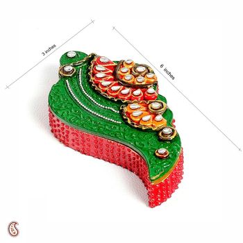 Shankh Design Kumkum Chopra in wood n clay
