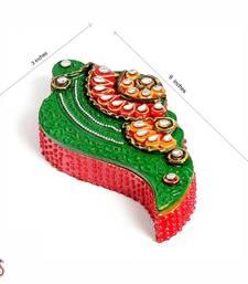 Shankh Design Kumkum Chopra In Wood N Clay