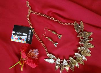 Fall Leaves Necklace with Earrings - Antique Gold