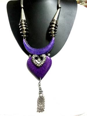 Pretty purple heart necklace