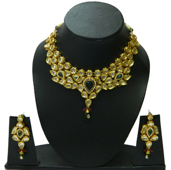 Stylish Fashion Kundan Pendants perfect for all occasions