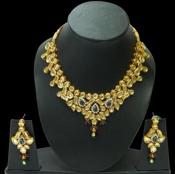 Buy exclusive Traditio0l HandmadeKundan Pendants