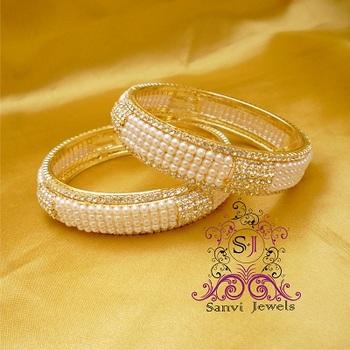 Pearl & Zircon Bangle