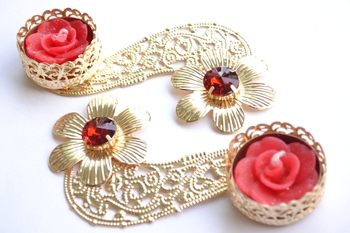 Floral Ornate Metallic Rangoli Centre Wax interchangable and Refill Diwali Diya