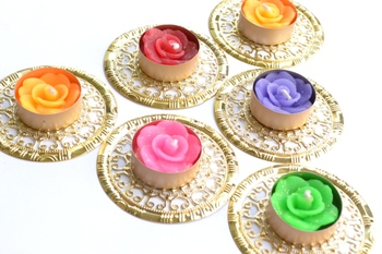 Water Floating Floral Ornate Metallic Centre Wax interchangable and Refill Diwali Diya