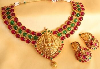 Mesmerising  Antique Kemp Green  Royal Lakshmi Pendant Bridal Necklace Set