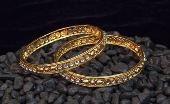 Ethnic and traditional zircon stud bangles