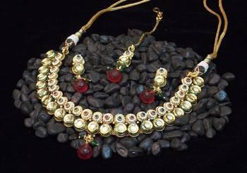 Very elegant and delicate kundan polki pearl necklace set
